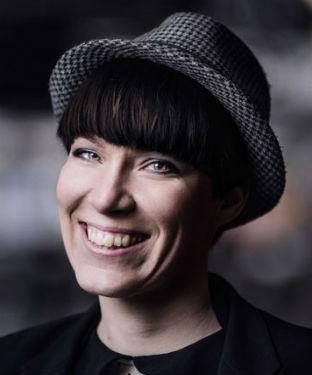 Darja Isaksson klar